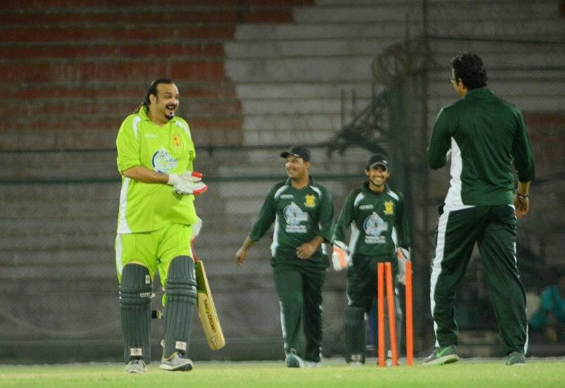 Amjad play  night cricket