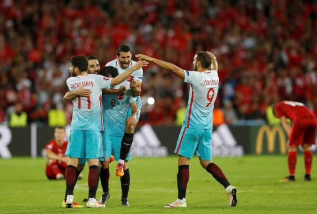 Czech Republic v Turkey - EURO 2016 - Group D