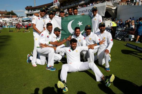 Britain Cricket - England v Pakistan - Fourth Test - Kia Oval - 14/8/16 Pakistan celebrate their win Action Images via Reuters / Paul Childs