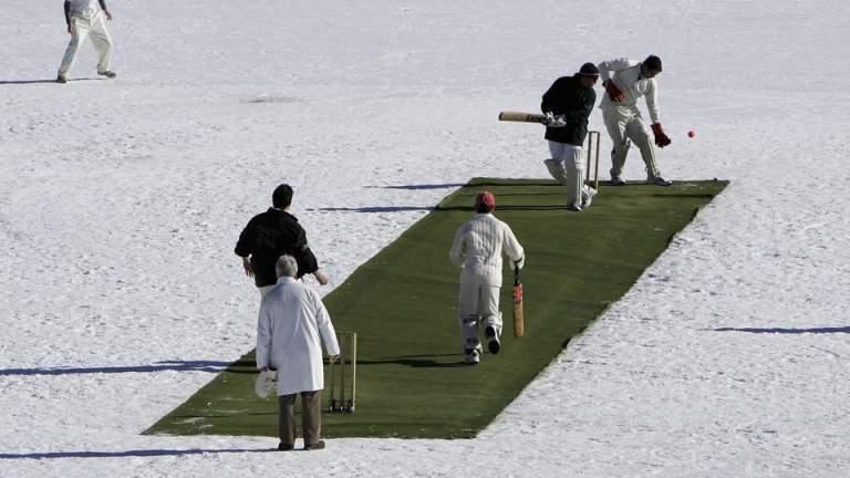 Ice-cricket-Afridi-shoaib at St Moritz