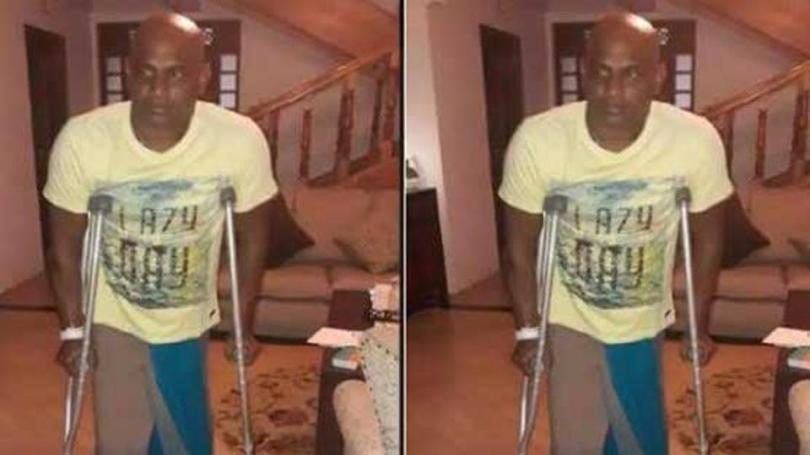 Sanath Jayasuriya on crutches